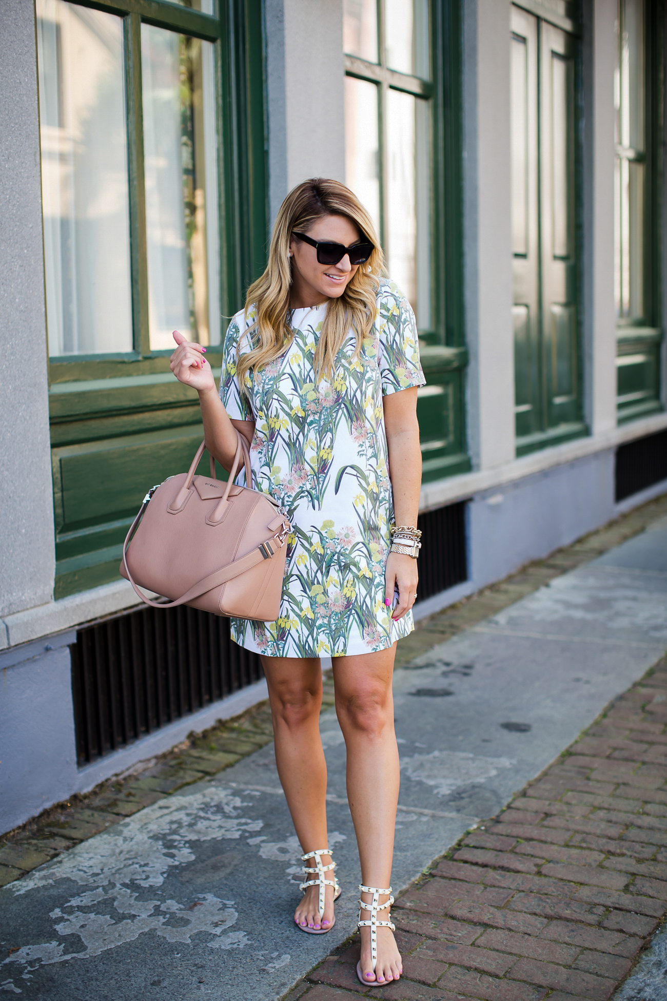 Outfit | The Perfect Floral Spring Shift Dress - SHOP